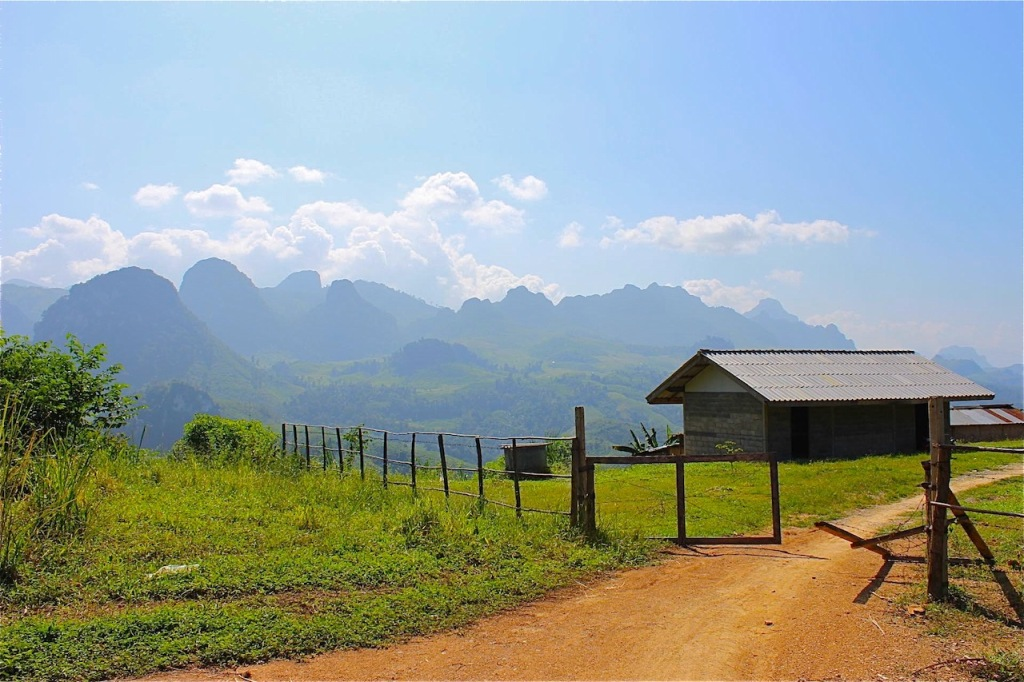travel costs laos